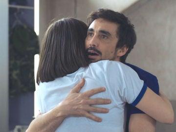 La locura de amor de Berta y Salva que los llevará lejos del 'Cuerpo de Élite'