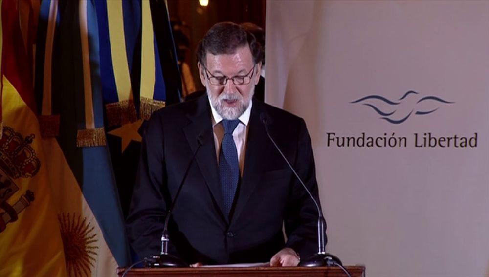 """Rajoy llama a cooperar contra """"mitos nacionalistas y populismos trasnochados"""""""