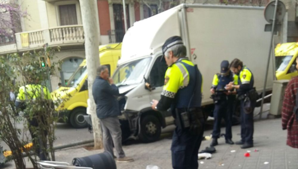 Atropello accidental de un camión sin frenos en Barcelona