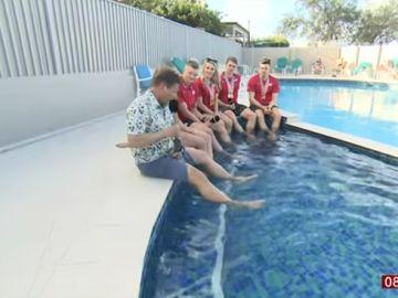 El 'piscinazo' viral de un reportero de la cadena BBC