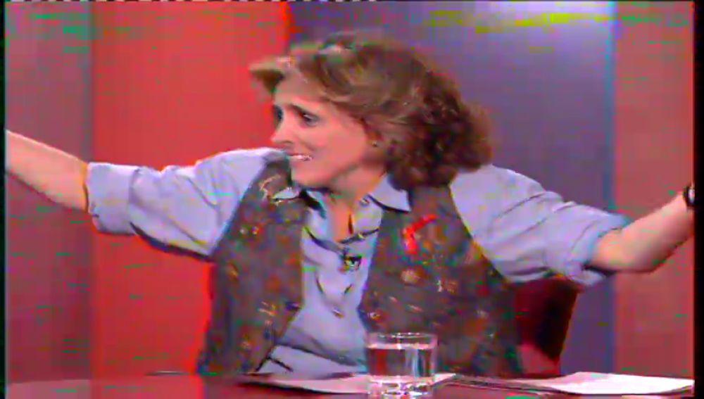 Mercedes Milá modera un debate sobre el uso del preservativo en 1993