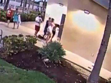 Los sospechosos de una brutal pareja gay se entregan a la policia