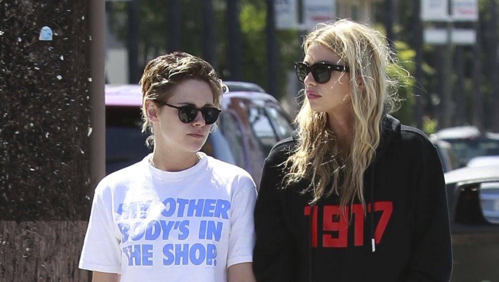 El romántico paseo de Kristen Stewart y su novia Stella Maxwell