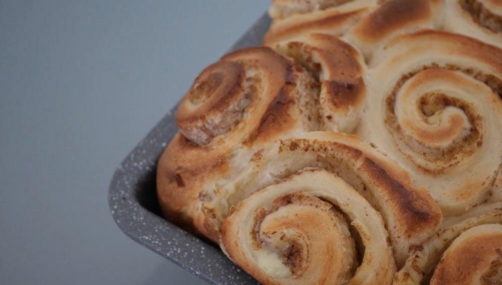Rollos de canela con crema pastelera