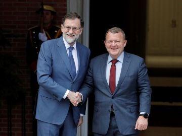 El presidente del Gobierno, Mariano Rajoy, recibe al primer ministro de Dinamarca, Lars Lokke Rasmussen