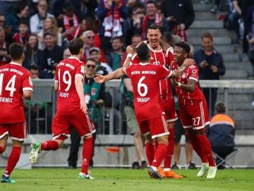 Sandro Wagner celebra un gol ante el Gladbach