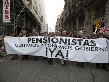 """Miles de pensionistas se movilizan en Madrid por """"unas pensiones dignas"""""""