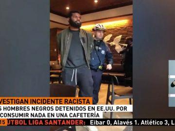 Momento de la detención de dos hombres negros en Starbucks