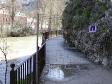 El río Júcar a su paso por la provincia de Cuenca se desborda en algunas zonas de la ribera