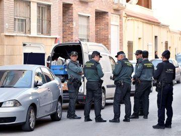 Imagen de la vivienda, en El Ejido, donde un hombre mató a su hijo de 8 años