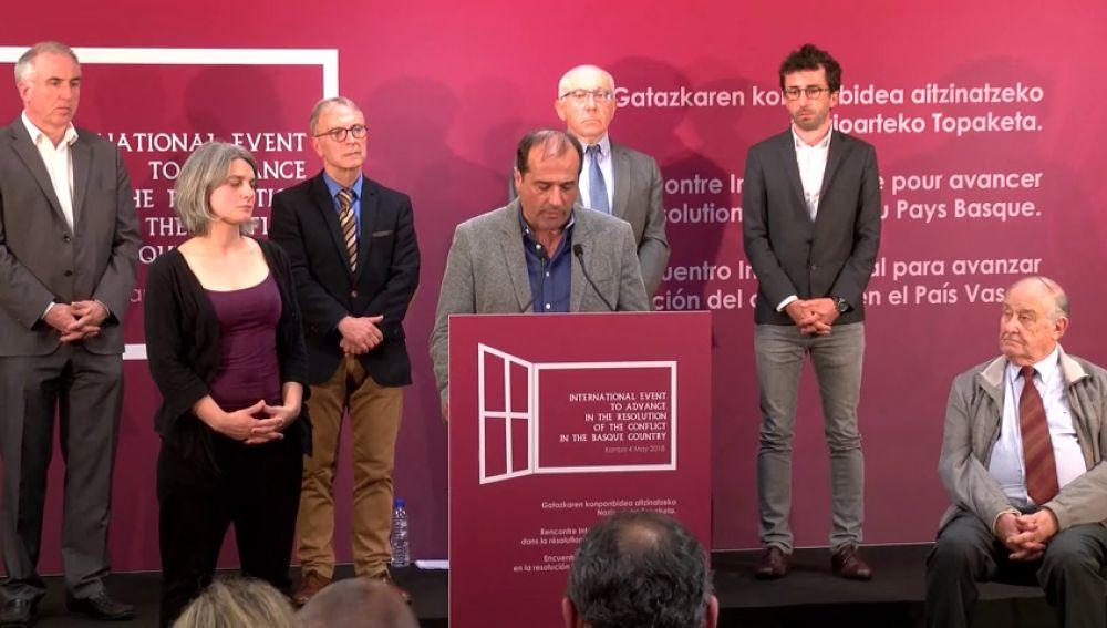 Aportan nuevos detalles del acto en el que ETA anunciará previsiblemente su disolución: será el 4 de mayo en la localidad vasco francesa de Cambo-les-Bains