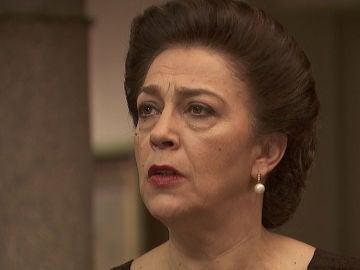"""Una dura doña Francisca arremete contra don Anselmo: """"Debería usted condenar al infierno a Julieta y Saúl"""""""