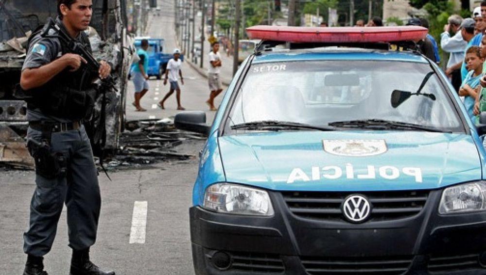 Resultado de imagen para Al menos ocho muertos en un tiroteo en una escuela de Sao Paulo