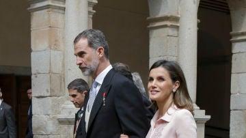 Los Reyes de España durante el Premio Cervantes