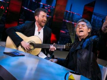 Pablo Motos y Miguel Ríos cantan en directo