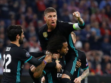 Sergio Ramos celebra uno de los goles del Madrid