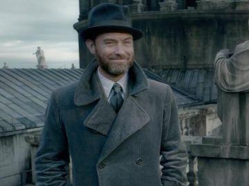 Jude Law como Dumbledores en 'Animales Fantásticos: Los crímenes de Grindelwald'