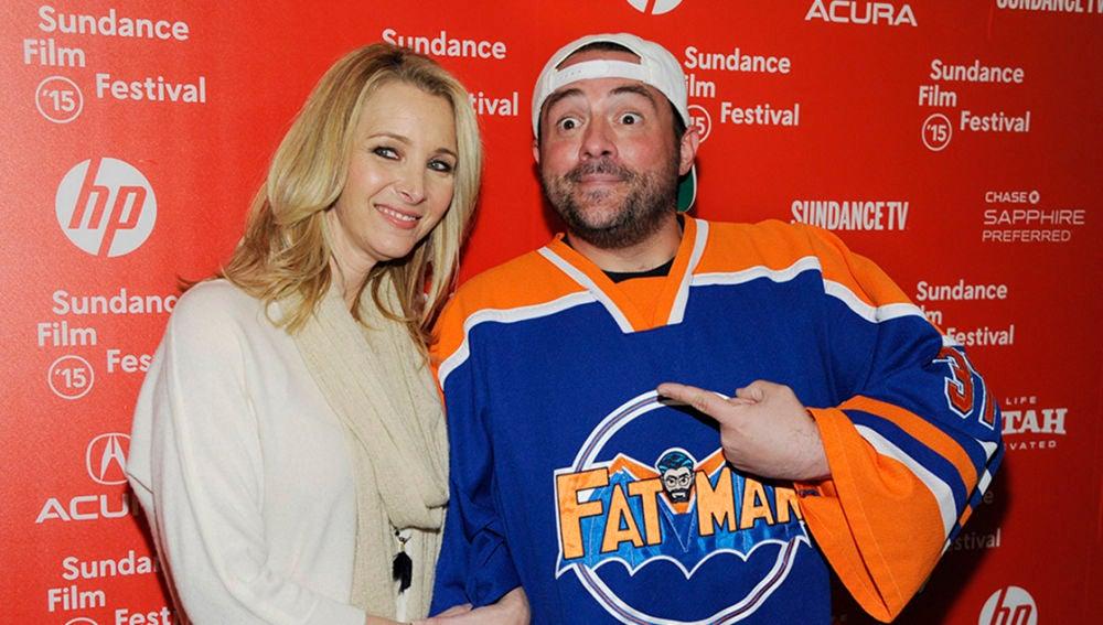 Kevin Smith junto a Lisa Kudrow