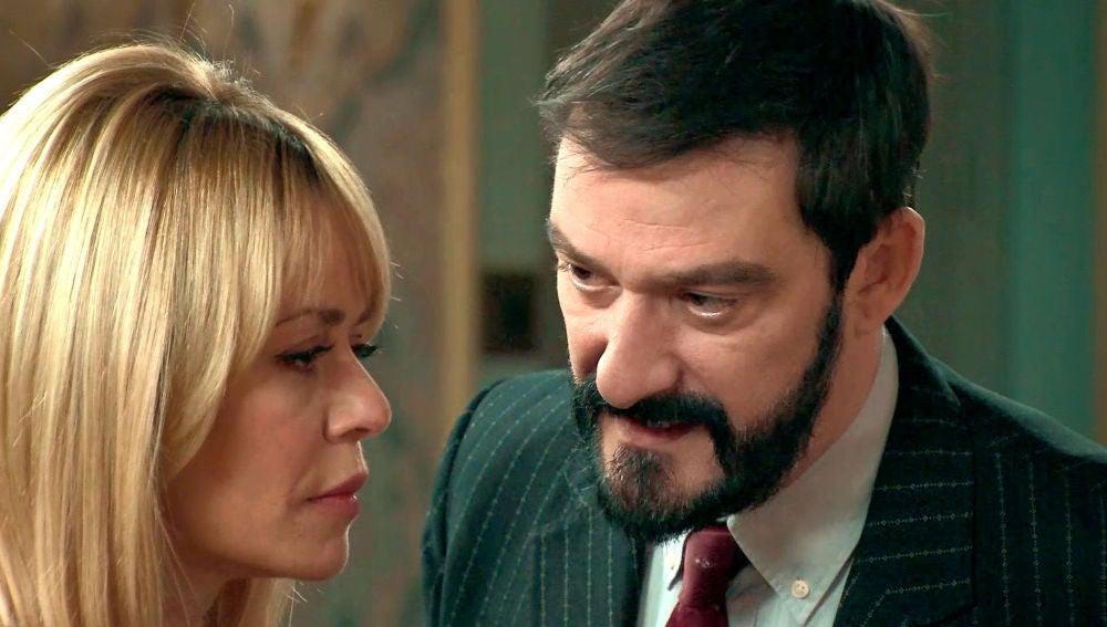 Carvajal promete ayudar a Charo para recuperar a su hija Belén