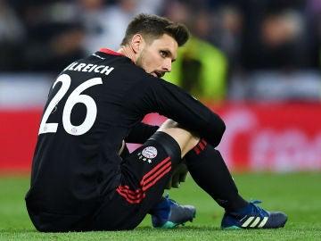 Sven Ulreich con la mirada perdida tras caer eliminado ante el Real Madrid