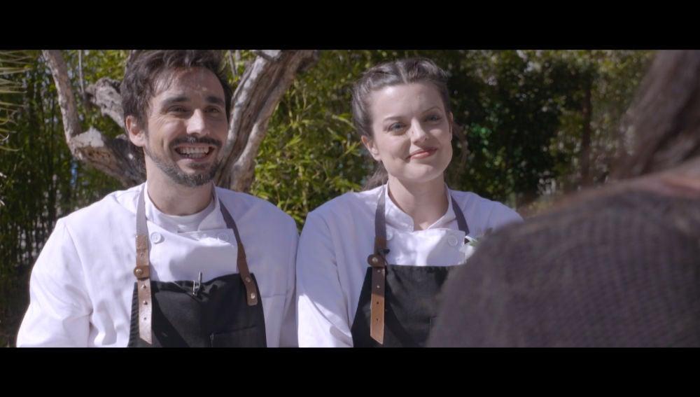 ¿Cómo se defienden Adriana Torrebejano y Canco Rodríguez en la cocina?