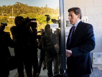 Juan Carlos Quer en los juzgados de Ribeira