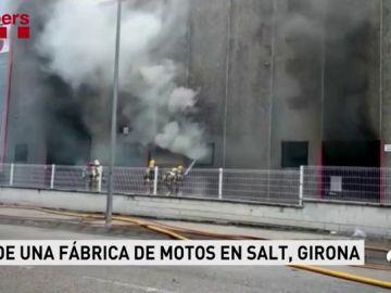 Controlado el incendio en la fábrica de motos Gas Gas de Salt