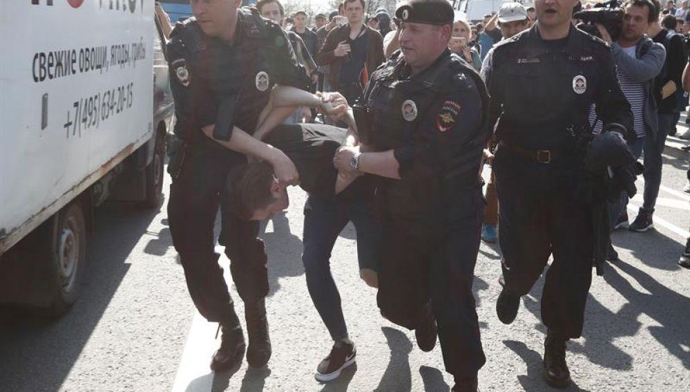 El opositor Alexei Navalni, detenido en Moscú