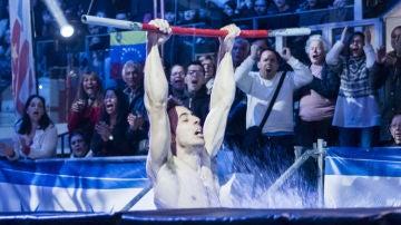 Las barras voladoras cortan las alas a Javier Cano en la final de 'Ninja Warrior'