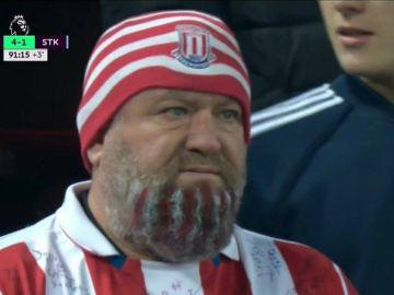 El aficionado del Stoke con parecido al villano de 'Los Vengadores: Infinity War'