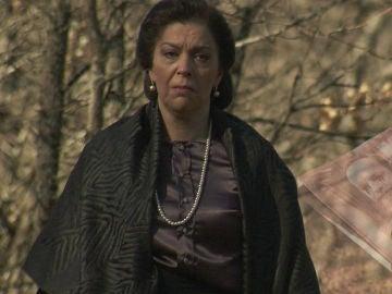 ¿Qué secreto esconde Francisca Montenegro?