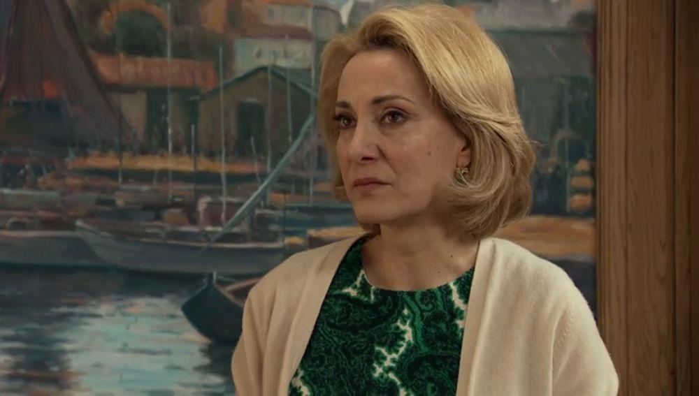 Matilde se entera de la marcha de Azevedo y es incapaz de despedirse