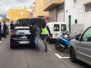 Detienen a tres hombres en Tenerife por captar a un yihadista y enviarle a Siria