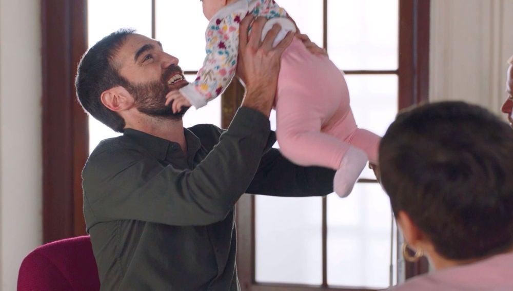 El feliz y accidentado reencuentro de Iñaki con su hija Elaia