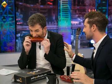 David Bisbal reta a Pablo Motos a comerse un pimiento