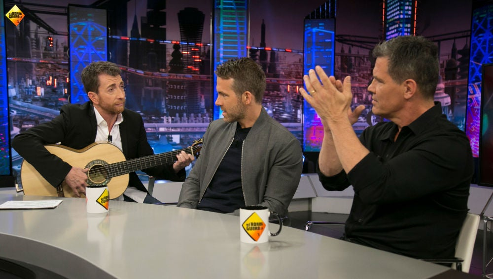 ¿Qué trabajos tenían Ryan Reynolds y Josh Brolin antes de ser actores?