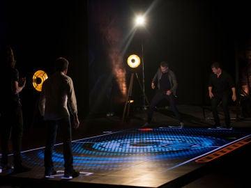 El íncreible videojuego gigante de 'El Hormiguero 3.0' para Ryan Reynolds y Josh Brolin