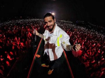 Maluma en un concierto