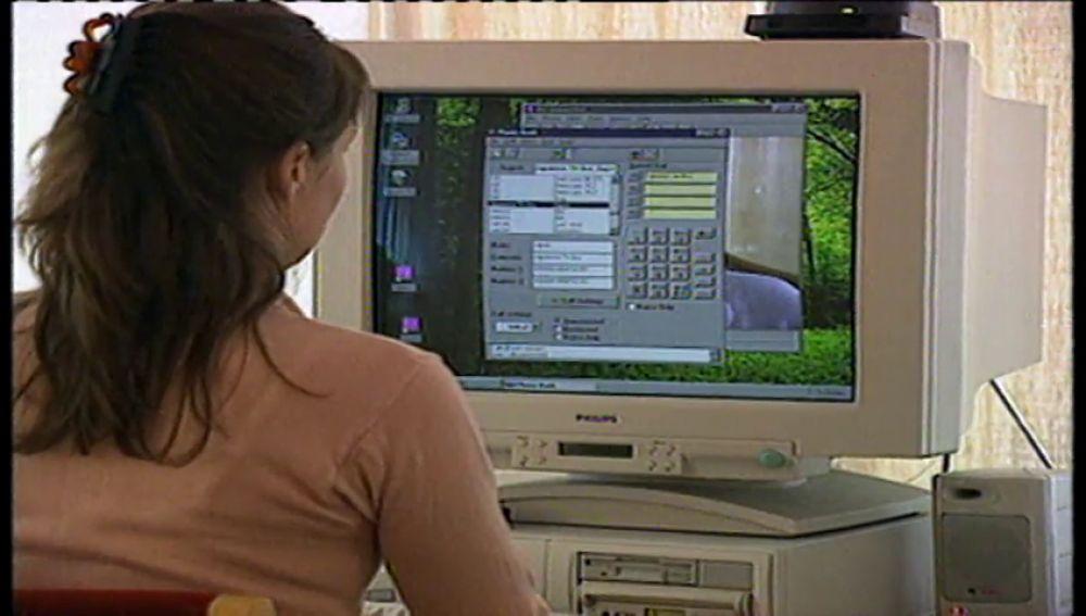 Los españoles pasan una media diaria de 5 horas y 20 minutos conectados a Internet