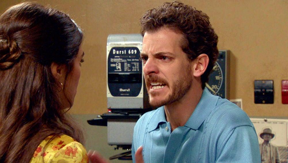 Javier y Vicky, enfrentados por la verdad