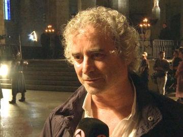 Ildefonso Falcones visita el rodaje de 'La Catedral del Mar'