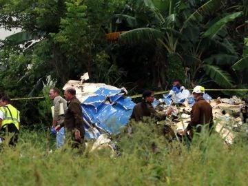 Noticias 2 Antena 3 (18-05-18) Un avión con 105 pasajeros se estrella poco después de despegar de La Habana