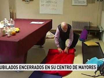 Veinte jubilados se encierran en su centro de mayores en Getxo