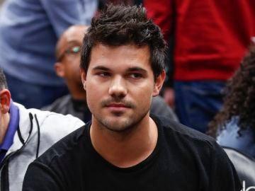 Taylor Lautner en una de sus últmas apariciones públicas