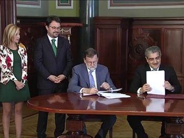 Rajoy presenta el acuerdo con Nueva Canarias como ejemplo de que es mejor construir que destruir