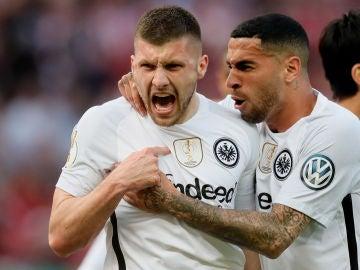 El Eintracht celebrando un gol