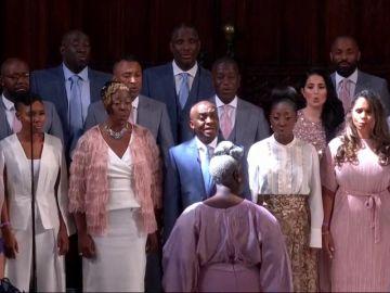 Emoción del príncipe Harry y Meghan Markle al escuchar el tema 'Stand by Me' interpretado por un coro gospel