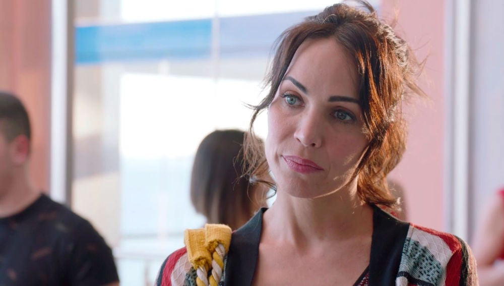 Gotzone sospecha que entre Carmen e Iñaki sigue habiendo sentimientos