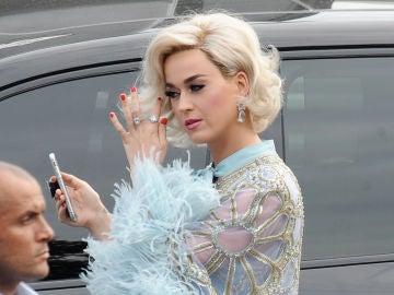 Katy Perry, tras pasar por chapa pintura