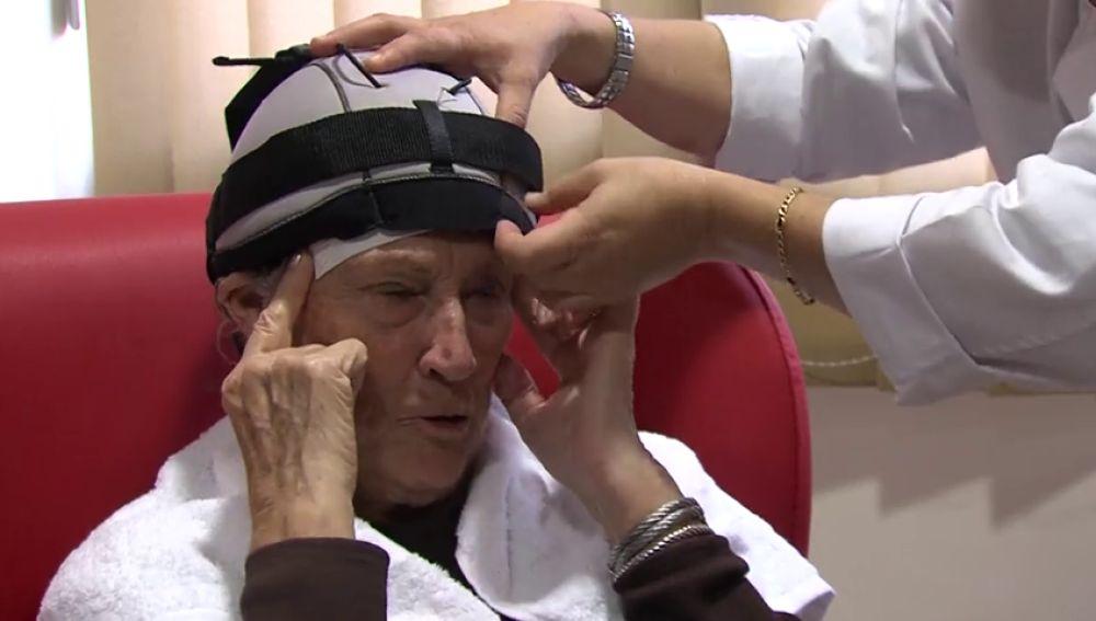 Un casco que permite conservar el cabello durante la quimioterapia